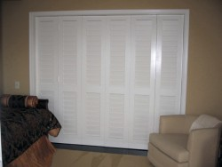 bifold closet doors with 3.1/2&quot; louvers
