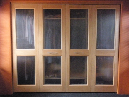 custom bifold closet doors with glass insert