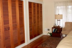 Style 6222 - 2.1/2' ' fixed plantation louver bifold closet doors