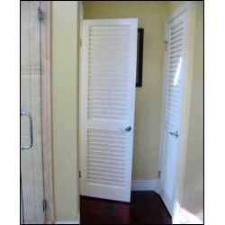 Plantation louvered doors