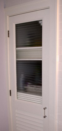 interior-doors-with-corrugated-glass-insert