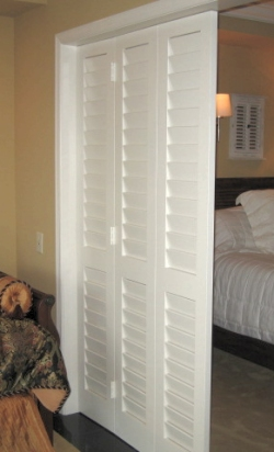 tri-fold louvered doors
